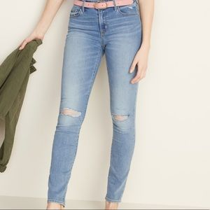 Old Navy Skinny Distressed Light Wash Jeans
